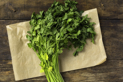 Thumb 400 various farms organic italian parsley bunch